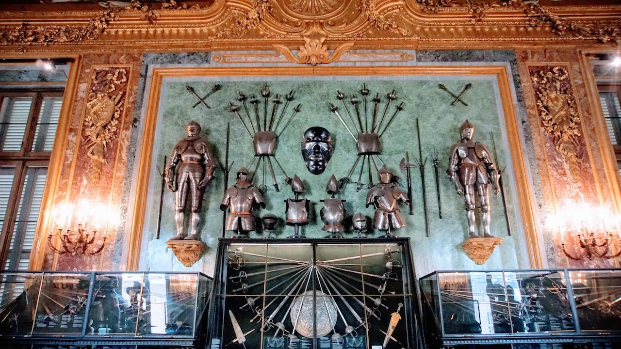 Detalhes da Sala de Armadaria do Palácio Real de Turim