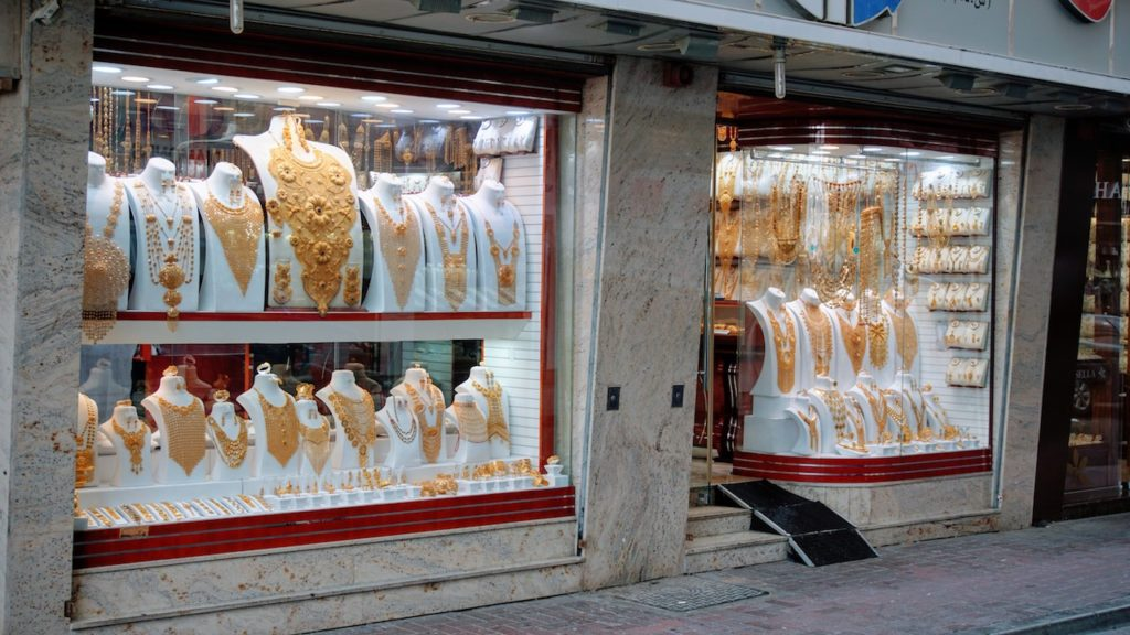 Mercados de Dubai: Grandes e chamativas peças das joalherias do mercado de ouro