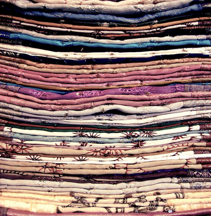 Mercados de Dubai: Tecidos feito a mão do mercado de tecidos