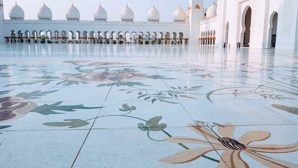 O que fazer em Abu Dhabi -  Mesquita Al Zayed