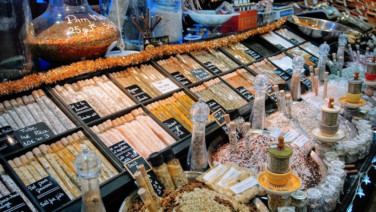 Mercado Les Helles na cidade de Avignon