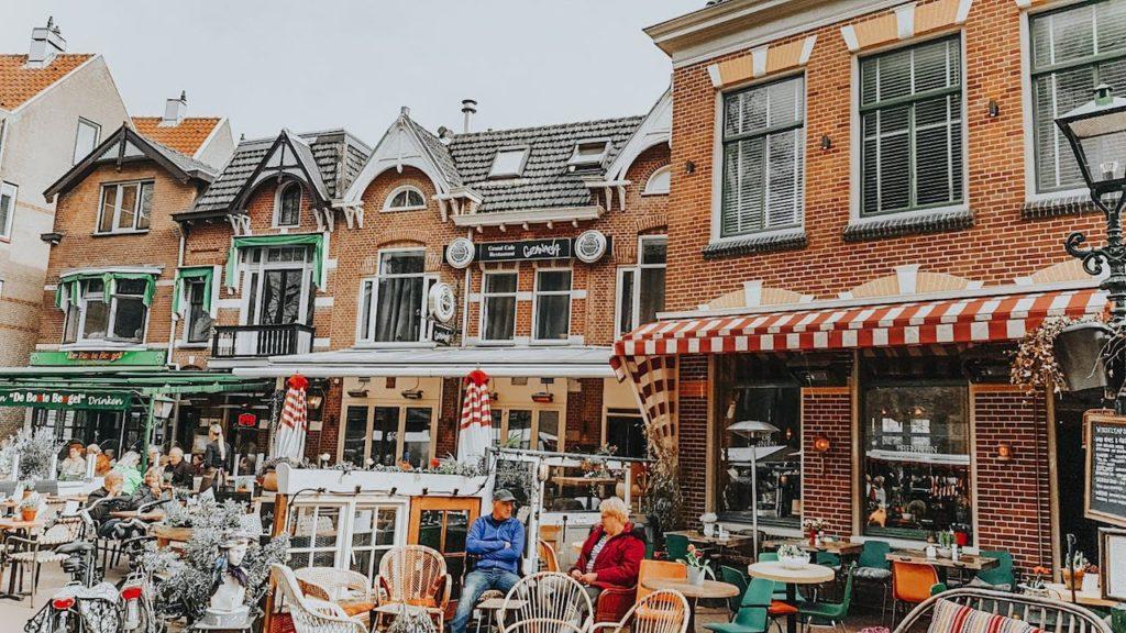 Feira de queijos de Alkmaar - provando os Poffertje