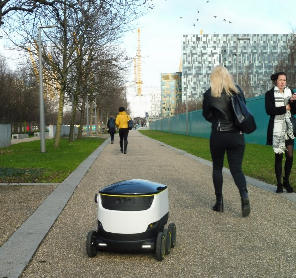 Self-driving robot