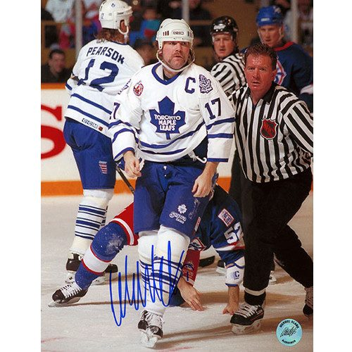 Signed Wendel Clark Fight Picture - Toronto Maple Leafs 8x10 Photo