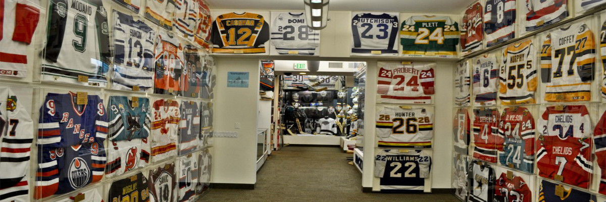 6 Tips For Displaying Your Hockey Memorabilia
