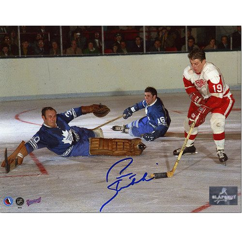 Pete Stemkowski Detroit Red Wings Autographed Action 8x10 Photo