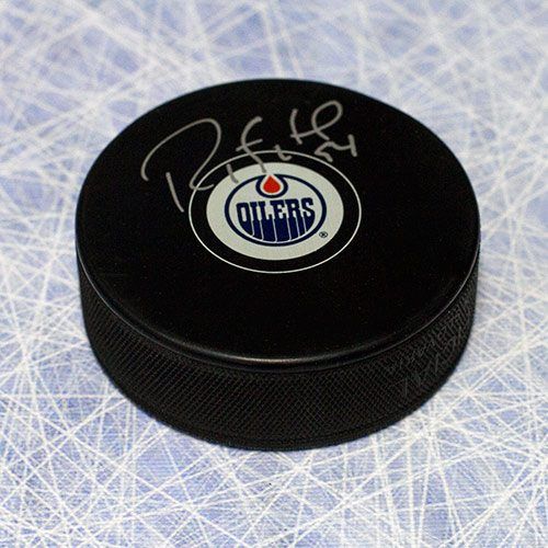 Ryan Smyth Signed Puck-Edmonton Oilers Official Hockey Puck