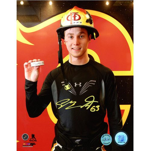 Sam Bennett NHL 1st Game Closeup Calgary Flames Signed 8x10 Photo