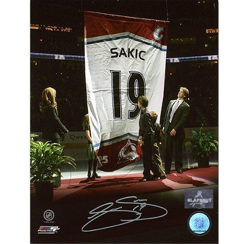Joe Sakic Autographed Colorado Avalanche Banner Retirement 8x10 Photo