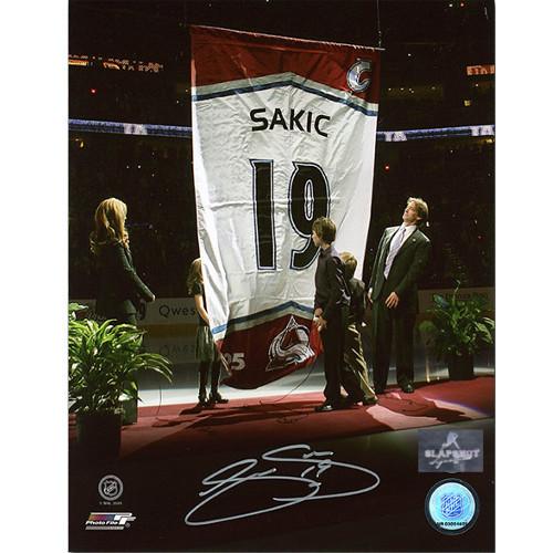 Joe Sakic Autographed Colorado Avalanche Banner Retirement 8x10 Photo