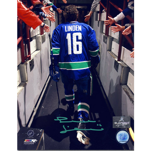 Trevor Linden Signed Reverse Tunnel Walk 8x10 Photo-Vancouver Canucks