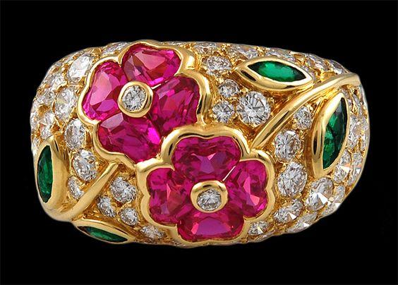 VAN CLEEF & ARPELS Diamond, Emerald & Pink Sapphire Flower Ring
