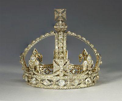 Queen Victoria wore her miniature crown for her Diamond Jubilee portrait in 1897.