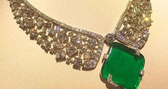 "The "" Merletto magnifico"" necklace"