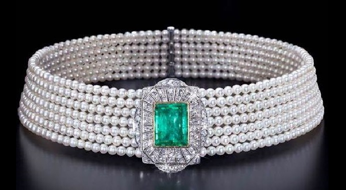 A Gorgeous Art Deco Pearl, Emerald and Diamond Collier De Chien Choker Necklace