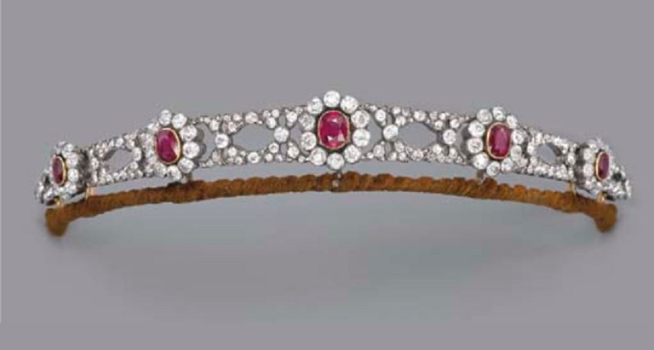 AN ANTIQUE RUBY AND DIAMOND TIARA