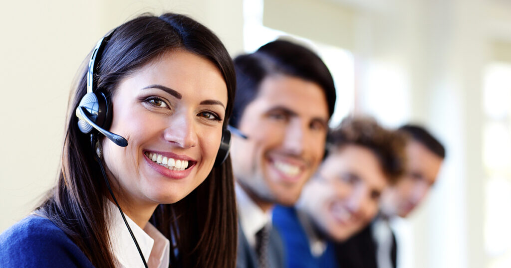 Access to specialized and knowledgeable professionals instantly.