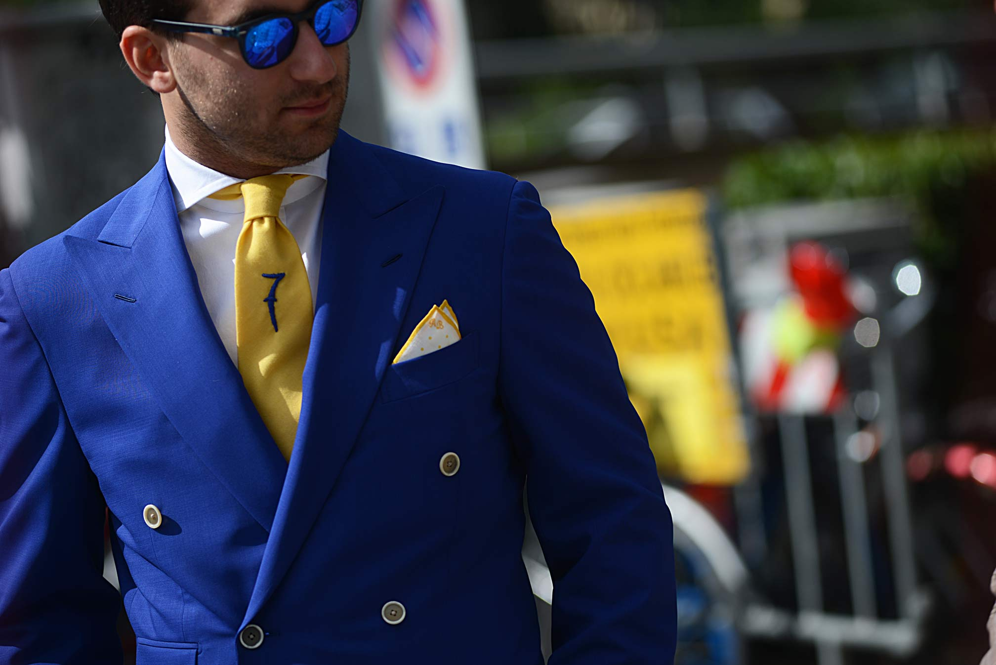 blue-suit-sunglasses-guerreisms-web