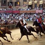 """De paardenrace de """"Palio di Siena"""" een unieke gebeurtenis"""