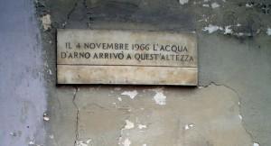 gedenkteken overstroming 1966 Firenze