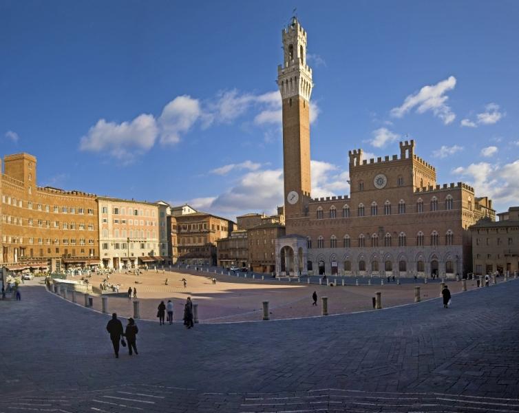 Siena palazzo pubblico en torre del mangia