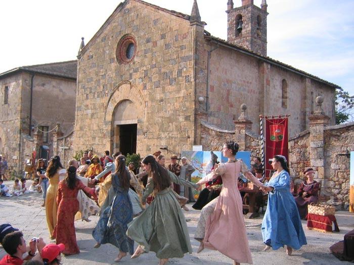 middeleeuws feest Monteriggioni