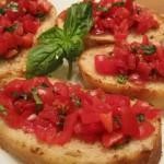 Bruschetta al pomodoro (geroosterd brood met verse tomaten)