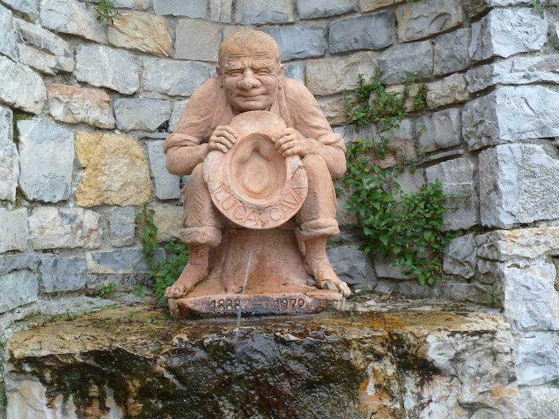 het beeldje met de naam Luca Cava