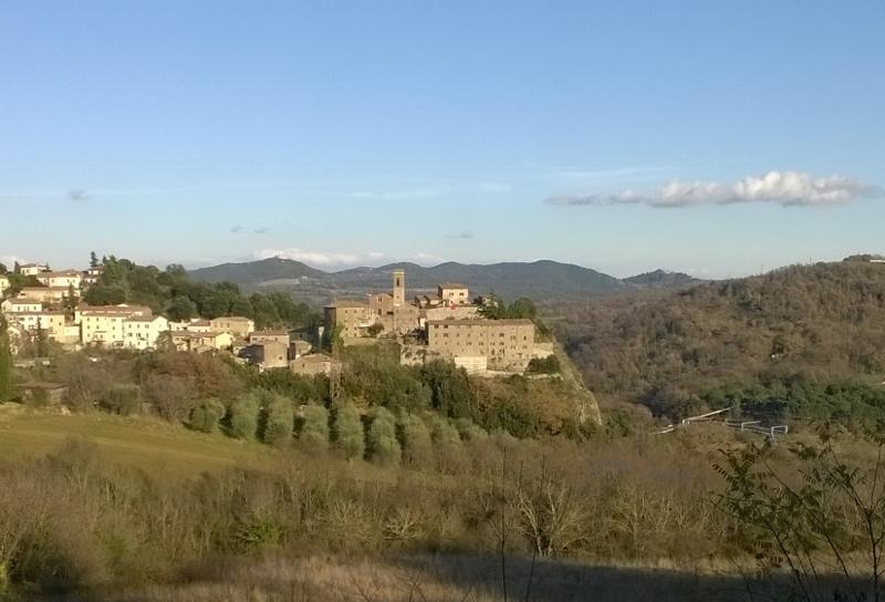 Montecerboli vanuit Larderello