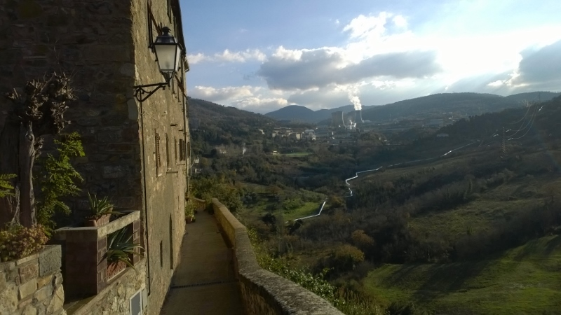 zicht op de centrales van Larderello