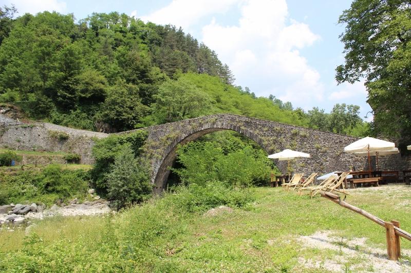 De middeleeuwse brug Ponte di castruccio