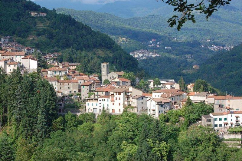 Het karakteristieke dorpje Popiglio