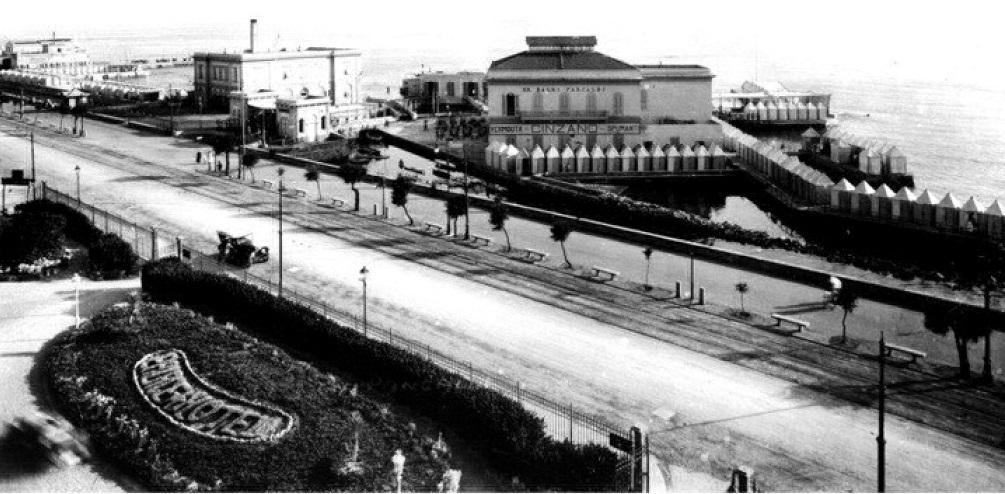 Het strandcomplex in de jaren '30