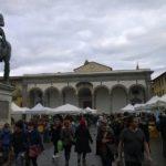 Het plein Piazza della Santissima Annunziata in Firenze