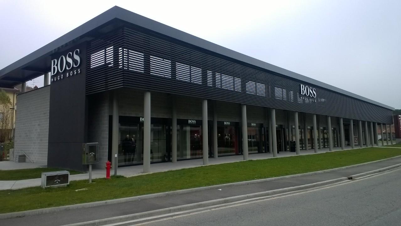 Bankstellen Outlet Oss.The Mall Florence Luxury Outlet Op Vakantie Naar Toscane