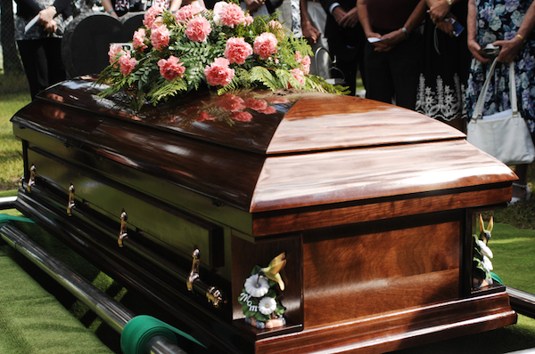 Photo of 10 Things You Should Do Before Letting Your Kids Attend Funerals