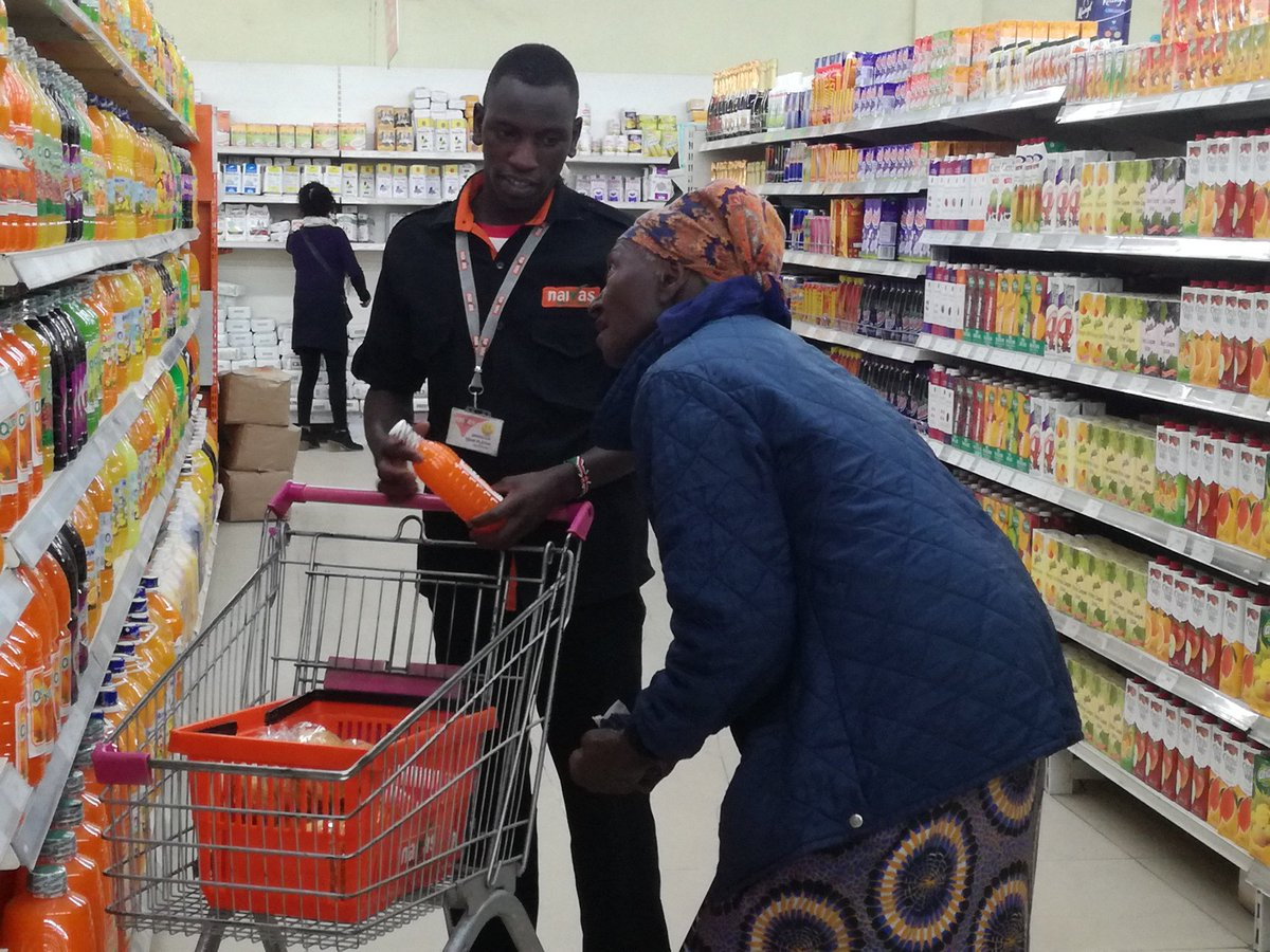 Photo of Naivas Supermarket Looking For Shop Attendants And Cashiers (Requirement Form 4 Certificate)