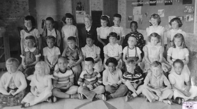 Retro Kindergarten Class Photo Session