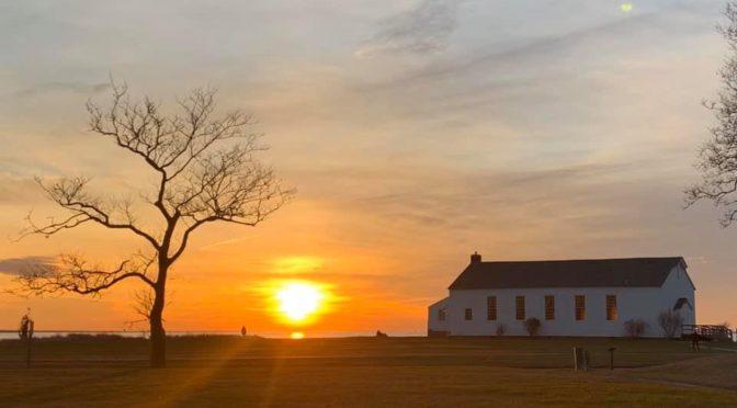 Scene Around: Soothing Sunrise, Sunset Moment