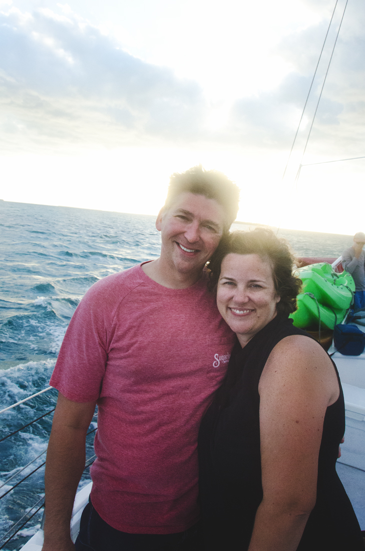 jimmy-and-lesli-on-the-sailboat