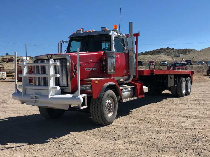 Kruse-2007-Western-Star-4900SA-Bed-Truck