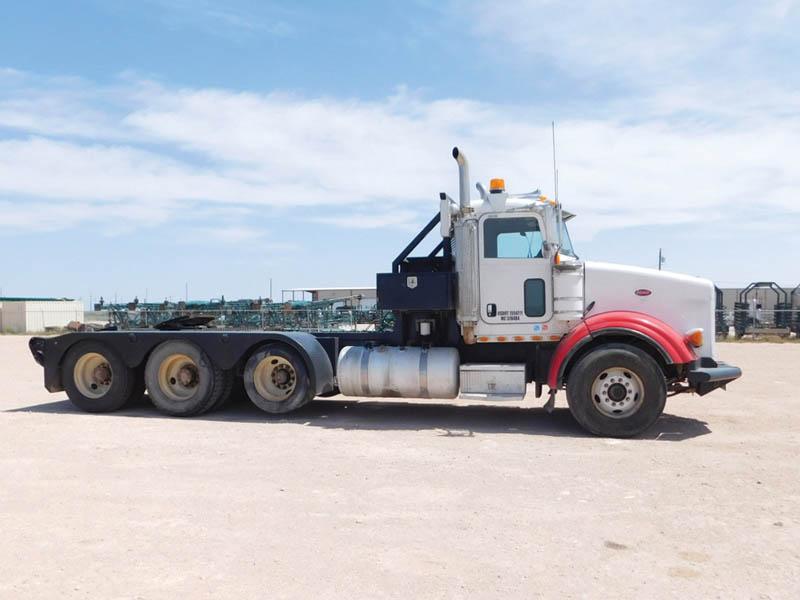 PETE 379 Haul Truck – DY1 YD1