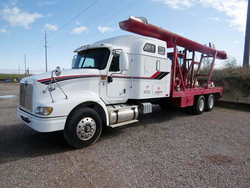 2002 INT'L 9400i Laydown Truck – DY1 YD1