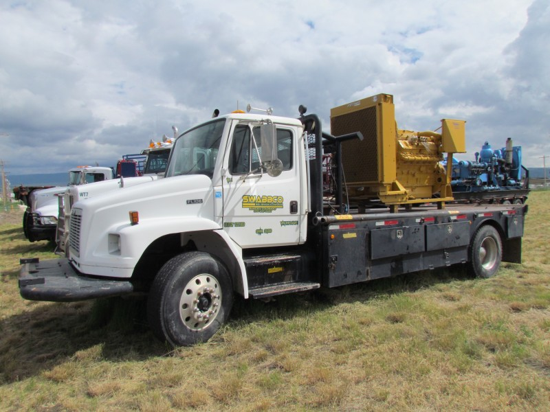 2000 FREIGHTLINER Roustabout Truck – YD1