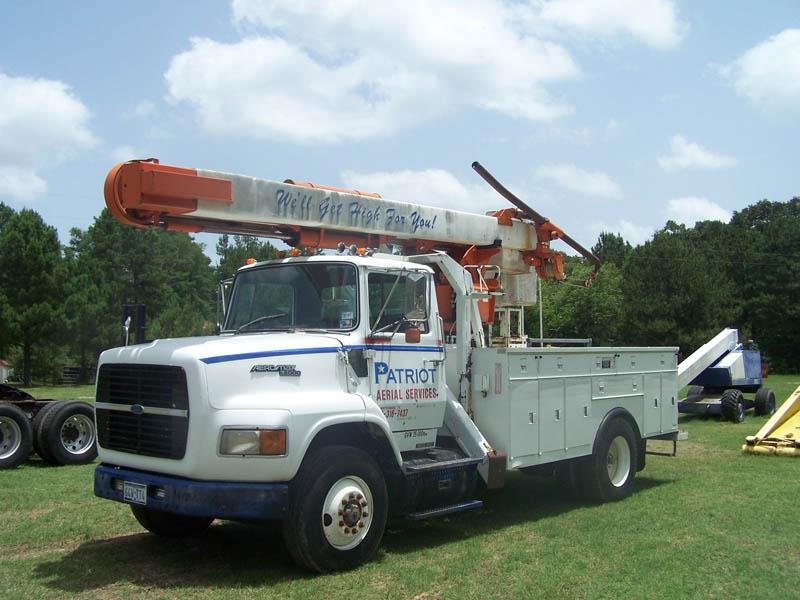 '91 FORD L-8000 Bucket Truck w/42' Reach – DY1 YD5