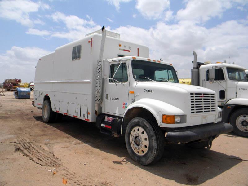 '99 INT'L 4900 Wireline Truck – DY1 YD1