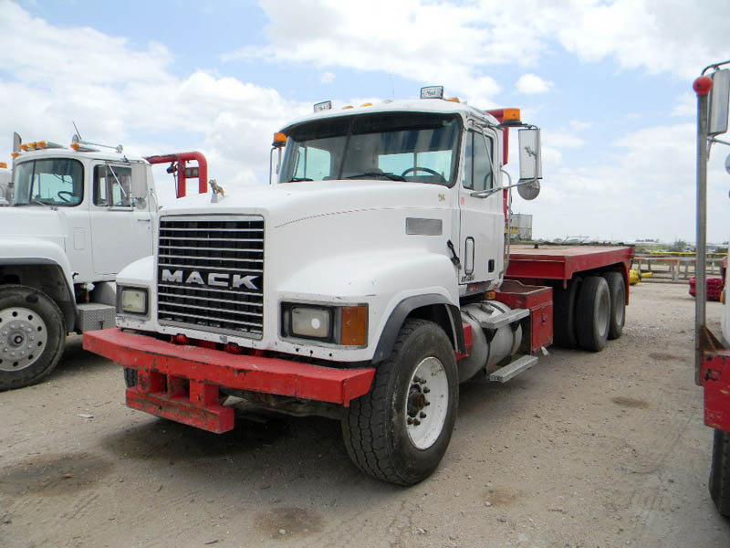 '96 MACK CH613 – DY2 YD1
