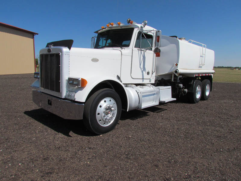 PETE 379 Water Truck