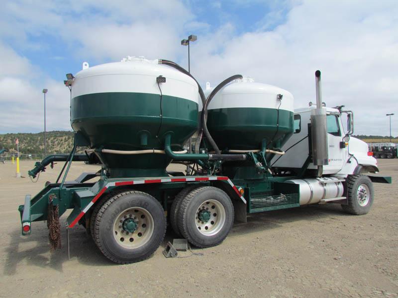 (1 of 3) INT'L T/A Bulk Trucks Ea w/200-CuFt Tanks