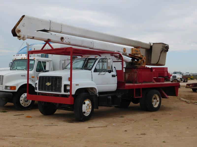 CHEV Kodiak Bucket Truck – DY1 YD1